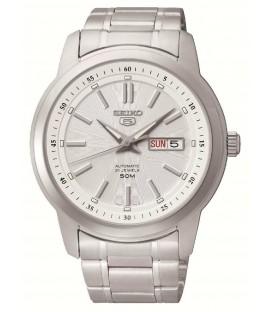 Reloj Seiko 5 Automático Fondo Blanco