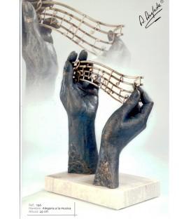 Escultura Alegoría a la música.