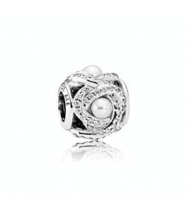 Abalorio Pandora con perlas